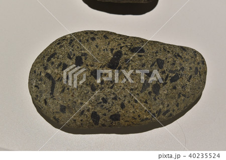 礫岩 れき岩 地層 礫の写真素材 ...